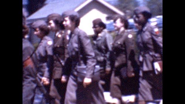 vidéos et rushes de 1955 military nurses marching, african-american soldiers - défiler