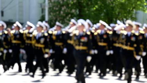 stockvideo's en b-roll-footage met military parade of officers - salueren