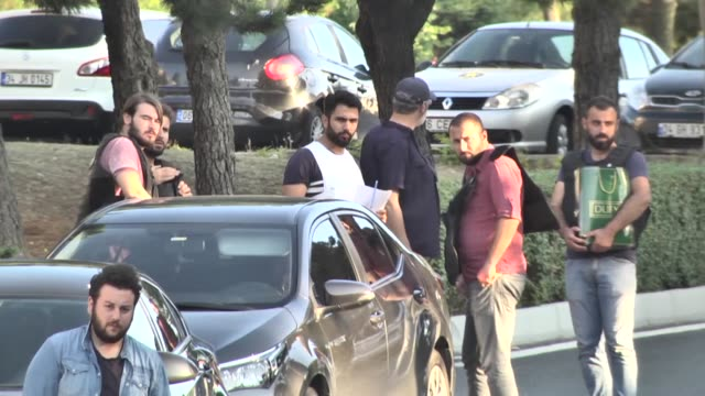 40 military personnel are detained after turkish antiterror branch office accompanied by special operations department carry out an operation... - staatsstreich stock-videos und b-roll-filmmaterial