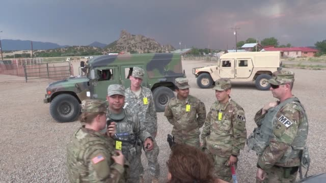 vídeos de stock e filmes b-roll de military police and colorado national guard security forces perform check point and roving patrol work in the la veta, colorado area during the... - colo