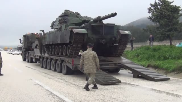 Military reinforcements arrive at the Syrian border in Turkey's southern Hatay province on January 18 2018