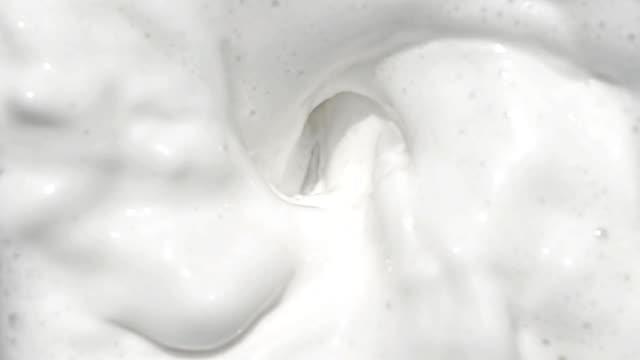 ミルクでスローモーション - ブレンダー点の映像素材/bロール