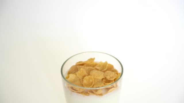 milk with cornflake