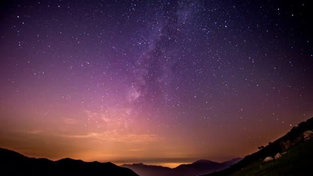 milky way at ganwoljae in ganwolsan mountain(popular climbing course) - purple点の映像素材/bロール
