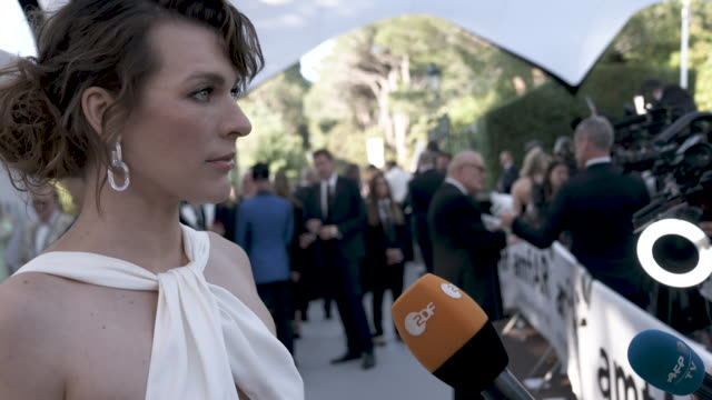 milla jovovich at amfar cannes gala 2019 - arrivals at hotel du cap-eden-roc on may 23, 2019 in cap d'antibes, france. - amfar stock videos & royalty-free footage