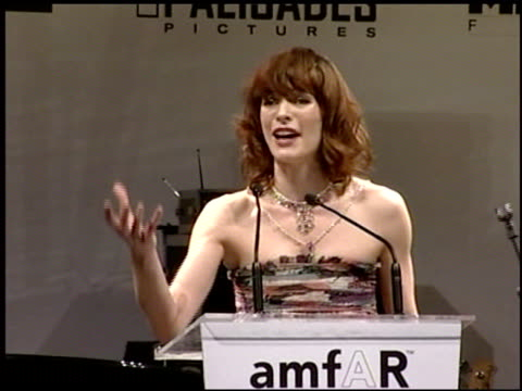 vídeos y material grabado en eventos de stock de milla jovovich at the amfar 'cinema against aids' gala presented by miramax films palisades pictures and quintessentially on may 19 2005 - miramax