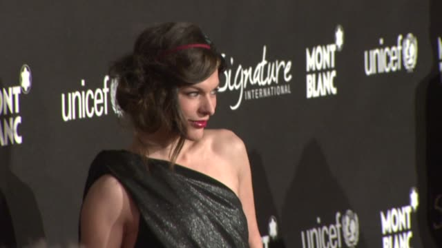 vídeos de stock, filmes e b-roll de milla jovovich at the montblanc signature for good event in association with unicef at los angeles ca - milla jovovich