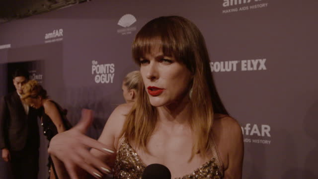 vídeos de stock, filmes e b-roll de interview milla jovovich on why is it so important to support amfar's work at 21st annual amfar gala new york at cipriani wall street on february 06... - milla jovovich