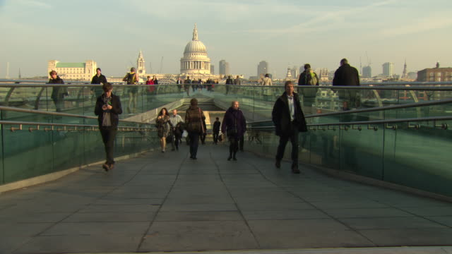 millenium bridge london - large group of people stock videos & royalty-free footage