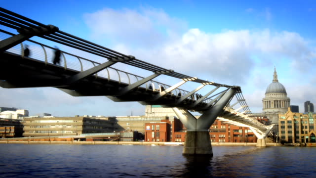 Millenium Bridge, St. Pauls Zeitraffer, London.  HD -.