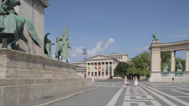 millennium monument, heroes square hosok tere, budapest, hungary, europe - traditionally hungarian stock videos & royalty-free footage