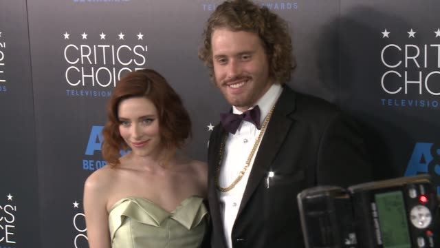 miller at the 2015 critics' choice television awards at the beverly hilton hotel on may 31, 2015 in beverly hills, california. - 放送テレビ批評家協会賞点の映像素材/bロール