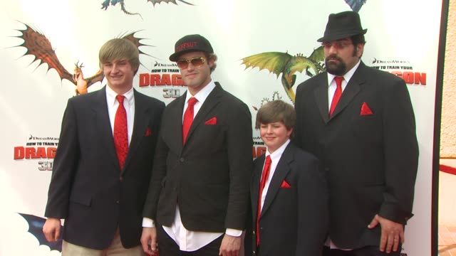 tj miller guests dean deblois at the 'how to train your dragon' premiere at universal city ca - how to train your dragon stock videos & royalty-free footage