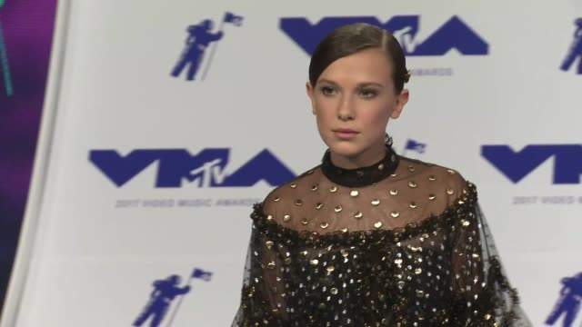 millie bobby brown at 2017 mtv video music awards in los angeles ca - millie bobby brown stock videos & royalty-free footage