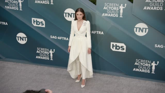 millie bobby brown at the 26th annual screen actors guild awards arrivals at the shrine auditorium on january 19 2020 in los angeles california - shrine auditorium stock videos & royalty-free footage