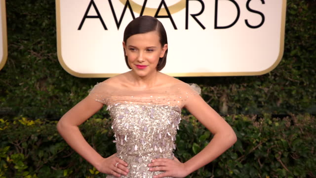 millie bobby brown at the 74th annual golden globe awards arrivals at the beverly hilton hotel on january 08 2017 in beverly hills california 4k - millie bobby brown stock videos & royalty-free footage