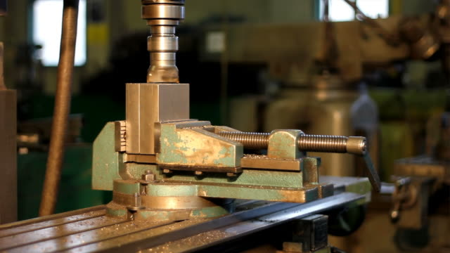 milling machine in operation - clamp stock videos & royalty-free footage