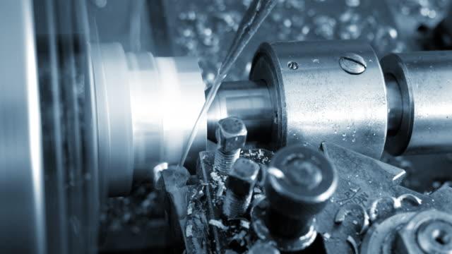 fräse - rohstoffverarbeitende fabrik stock-videos und b-roll-filmmaterial