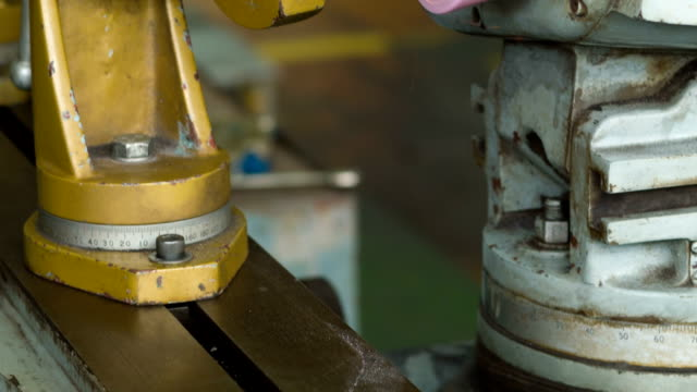 Fräse Arbeiten für Reparatur
