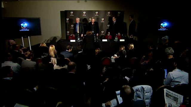 25 million dollar prize offered for global warming solution england london int sir richard branson and al gore sitting for press conference - environmental media awards stock videos & royalty-free footage
