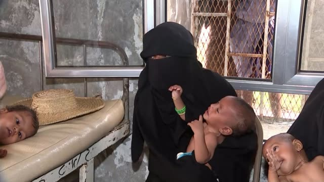 17 million people face conflict induced famine in world's worst humanitarian crisis 17 million people face conflict induced famine in world's worst... - yemen stock videos and b-roll footage