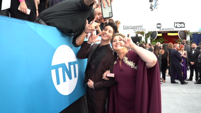 milo manheim and camryn manheim at the 26th annual screen actorsguild awards at the shrine auditorium on january 19, 2020 in los angeles, california. - camryn manheim stock videos & royalty-free footage