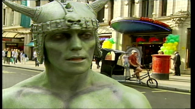 mime artist outside london planet hollywood axed due to police complaint; duncan meadows interview sot - on how he wasn't given a chance to respond... - mime artist stock videos & royalty-free footage