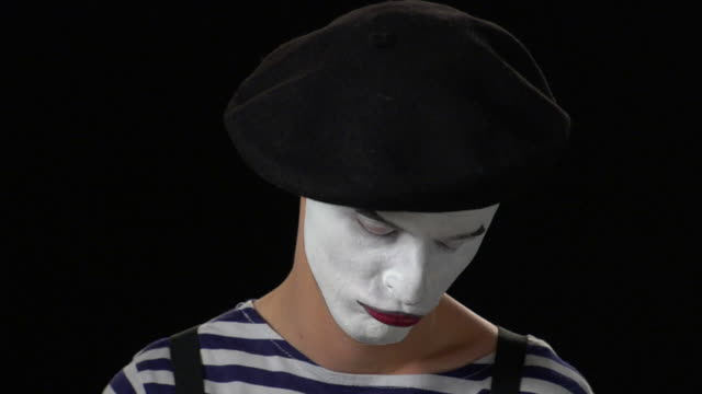 mime money 2 - kissing close up - mime stock videos & royalty-free footage