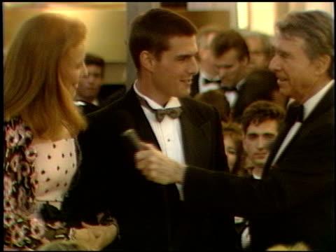 vidéos et rushes de mimi rogers at the 1989 academy awards at the shrine auditorium in los angeles, california on march 29, 1989. - 61e cérémonie des oscars