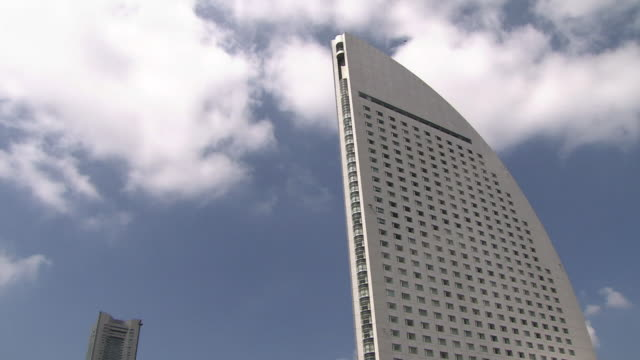 pov; minato mirai 21 area, yokohama, japan - intercontinental hotels group stock videos & royalty-free footage
