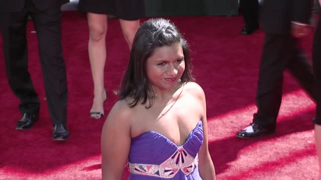mindy kaling at the 61st annual primetime emmy awards arrivals part 2 at los angeles ca - annual primetime emmy awards stock-videos und b-roll-filmmaterial