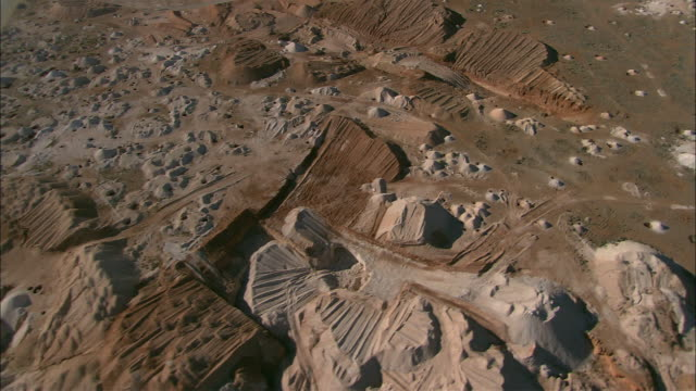 aerial minefield at coober pedy, south australia, australia - coober pedy stock videos & royalty-free footage