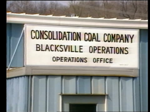 miners' strike day 12 uk miner's visit to a us mine usa near pittsburgh blacksville coal mine surface buildings of blacksville two pit gv pit head ms... - pennsylvania stock videos & royalty-free footage