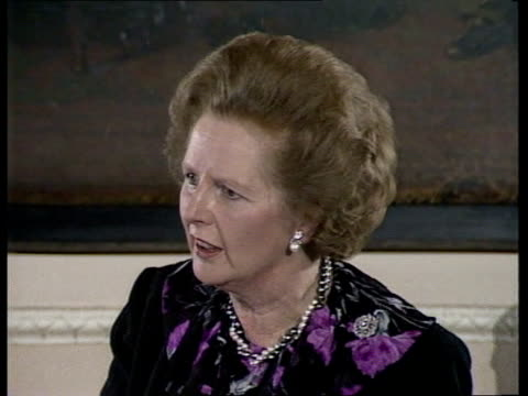 """day 258:; a) england: london: carlton club: cms margaret thatcher speech sof """"this year -- audience applauding -- of leadership"""" thatcher seated... - アラステア・バーネット点の映像素材/bロール"""