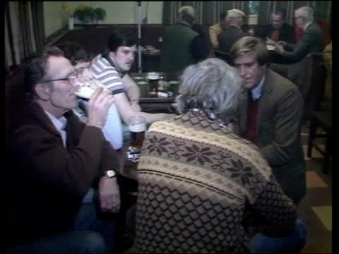 miners' strike / day 8 england notts mansfield sherwood colliery cs phone ringing pan hand picks it up ms john liptrott on phone sof well i've known... - 1984 stock-videos und b-roll-filmmaterial