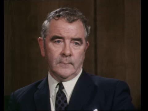 "miners strike threat; england, london: int joe gormley, president miners union sof: ""of course we will...i'm sure of that"" - ピーター・シソンズ点の映像素材/bロール"