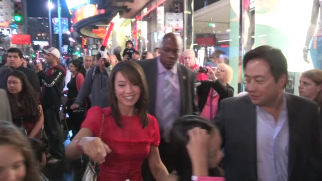 ming na & eric michael zee greet fans while departing wreck it ralph premiere in hollywood at celebrity sightings in los angeles ming na & eric... - ming na stock videos & royalty-free footage