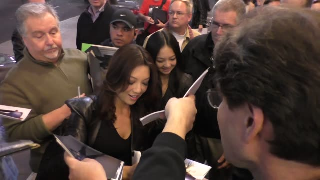 ming-na wen arrives to pantages theatre in hollywood - celebrity sightings on december 10, 2015 in los angeles, california. - ming na stock videos & royalty-free footage