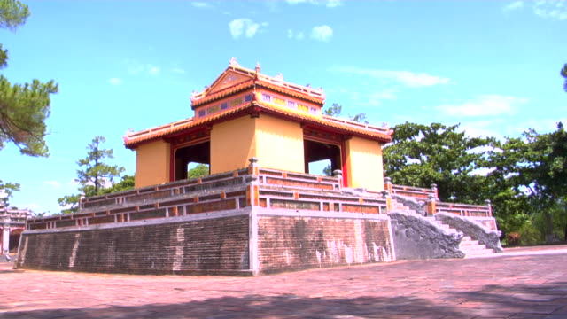 ms minh mang tomb, hue, vietnam - 階段点の映像素材/bロール