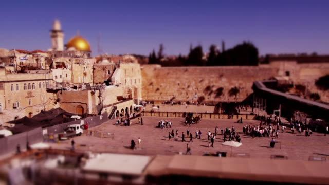 miniature tilt-shift effect western wall in jerusalem - wailing wall stock videos & royalty-free footage