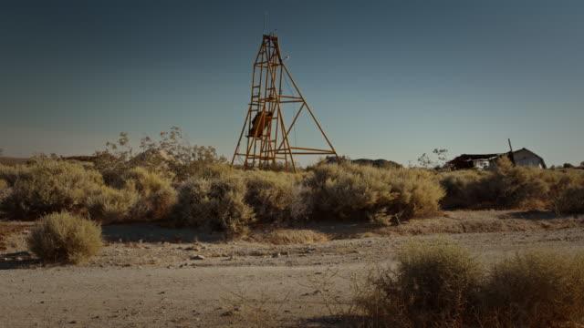 vídeos y material grabado en eventos de stock de mining ghost town in the desert - ciudad muerta