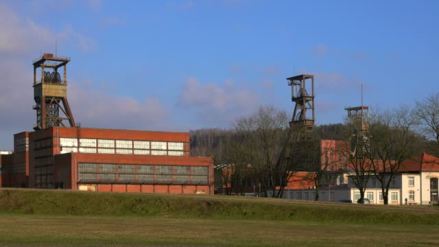 mining museum les mineurs wendel, petite-rosselle, lorraine, france, europe - lorraine bildbanksvideor och videomaterial från bakom kulisserna