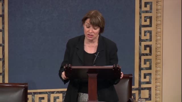 minnesota senator amy klobuchar says of a sexual harassment bill that it provides accountability by all the members of the house and senate... - 性的嫌がらせ点の映像素材/bロール