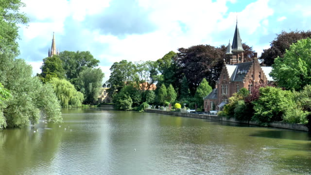 minnewater park-bruges, belgio - lago video stock e b–roll