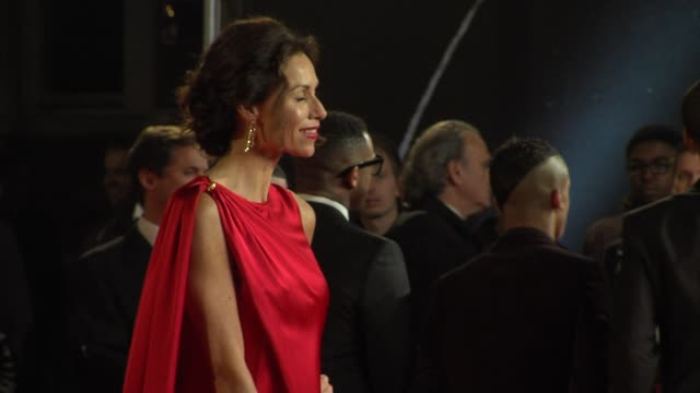 minnie driver at 'skyfall' royal world premiere at royal albert hall at royal albert hall on october 23 2012 in london - minnie driver stock videos and b-roll footage