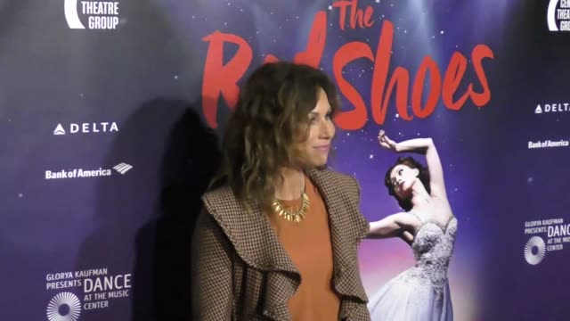 stockvideo's en b-roll-footage met minnie driver at the 'the red shoes' opening night performance at the ahmanson theatre on september 19 2017 in los angeles california - minnie driver