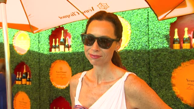 stockvideo's en b-roll-footage met minnie driver on what brings her back to the vcpc being a fan of polo and how she decided on her polo look talks about her upcoming projects and what... - minnie driver