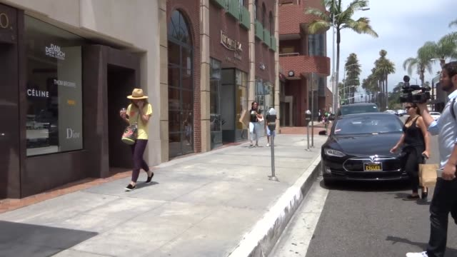minnie driver shopping in beverly hills at celebrity sightings in los angeles on june 23 2017 in los angeles california - minnie driver stock videos and b-roll footage