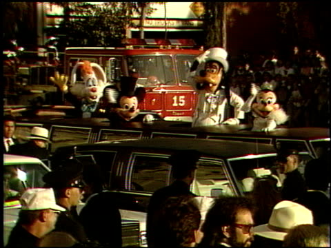 vidéos et rushes de minnie mouse at the 1989 academy awards at the shrine auditorium in los angeles, california on march 29, 1989. - 61e cérémonie des oscars