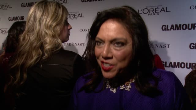 interview mira nair on what brings her here tonight on presenting the award to her former student lupita nyong'o on how lupita always stood out as a... - früherer stock-videos und b-roll-filmmaterial